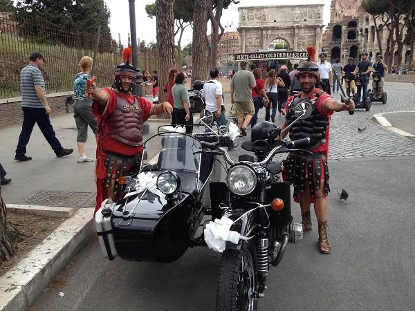 Noleggio moto sidecar roma for Noleggio arredi roma
